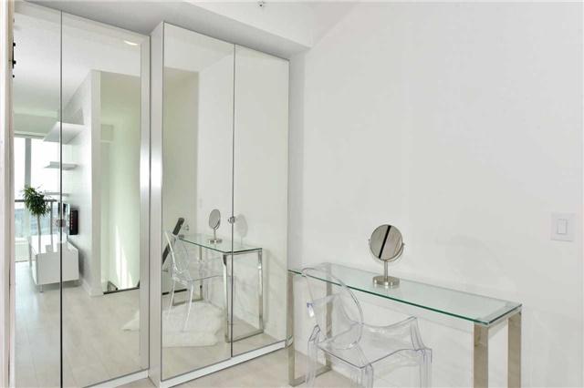 Condo Apartment at 150 East Liberty St, Unit 2012, Toronto, Ontario. Image 5