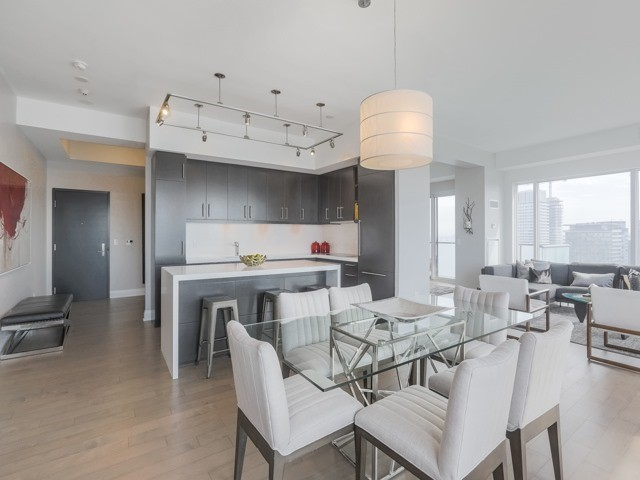 Condo Apartment at 1080 Bay St, Unit 4701, Toronto, Ontario. Image 18