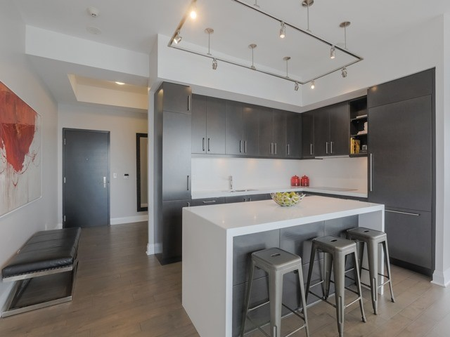 Condo Apartment at 1080 Bay St, Unit 4701, Toronto, Ontario. Image 19