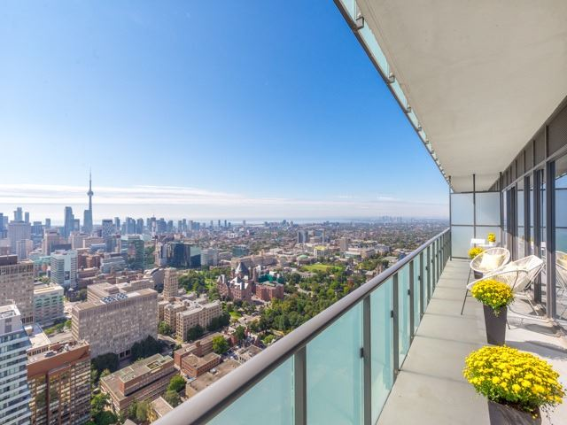 Condo Apartment at 1080 Bay St, Unit 4701, Toronto, Ontario. Image 2