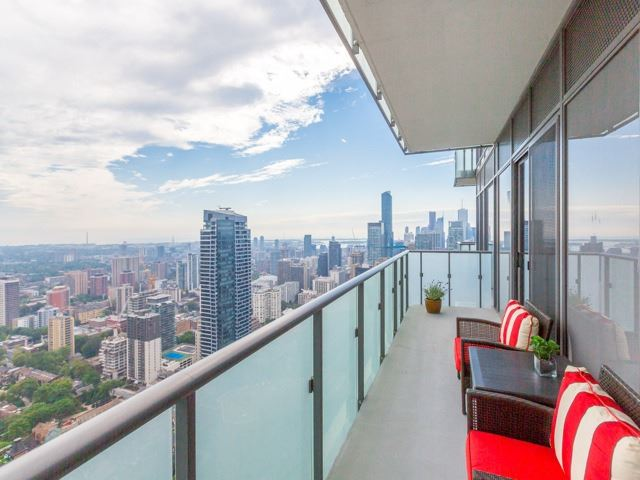 Condo Apartment at 1080 Bay St, Unit 4701, Toronto, Ontario. Image 10