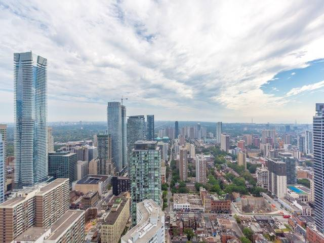 Condo Apartment at 1080 Bay St, Unit 4701, Toronto, Ontario. Image 11