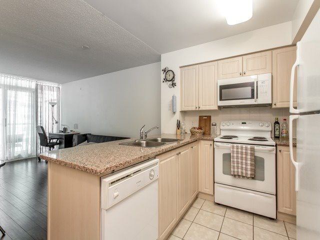 Condo With Common Elements at 51 Lower Simcoe St E, Unit 902, Toronto, Ontario. Image 17