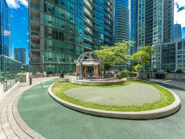 Condo With Common Elements at 51 Lower Simcoe St E, Unit 902, Toronto, Ontario. Image 9