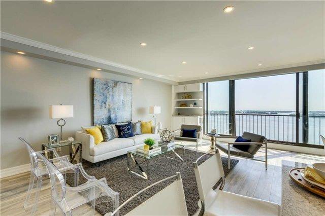 Condo Apartment at 33 Harbour Sq, Unit 3024, Toronto, Ontario. Image 12