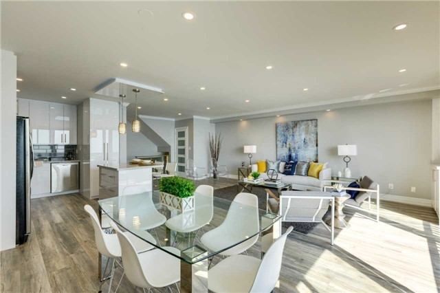 Condo Apartment at 33 Harbour Sq, Unit 3024, Toronto, Ontario. Image 15