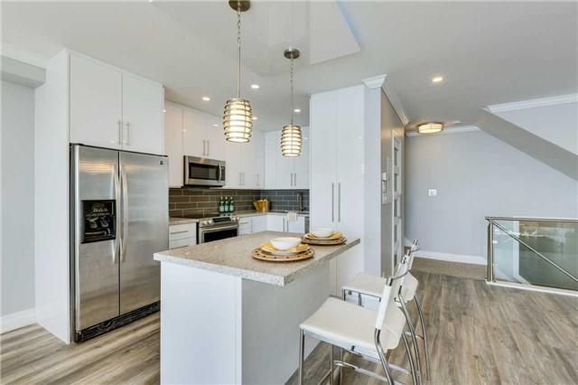 Condo Apartment at 33 Harbour Sq, Unit 3024, Toronto, Ontario. Image 19