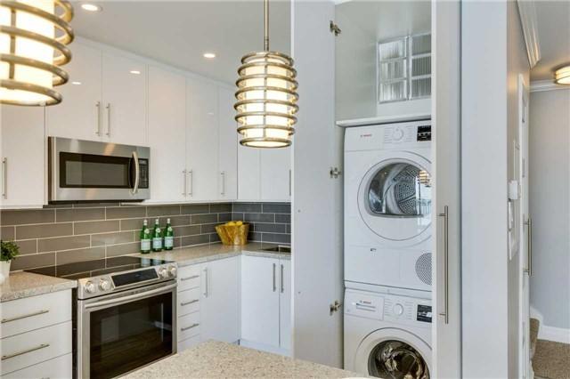 Condo Apartment at 33 Harbour Sq, Unit 3024, Toronto, Ontario. Image 20