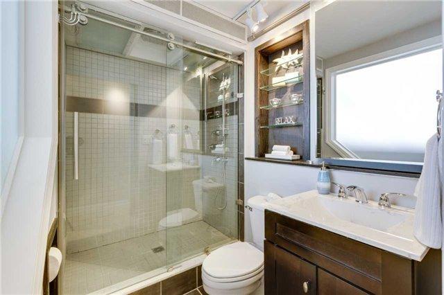 Condo Apartment at 33 Harbour Sq, Unit 3024, Toronto, Ontario. Image 5