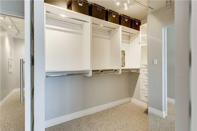 Condo Apartment at 33 Harbour Sq, Unit 3024, Toronto, Ontario. Image 6