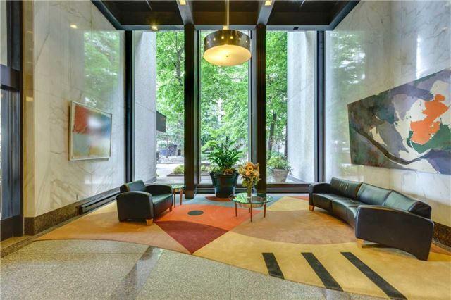 Condo Apartment at 33 Harbour Sq, Unit 3024, Toronto, Ontario. Image 8