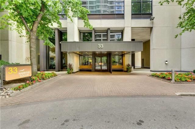 Condo Apartment at 33 Harbour Sq, Unit 3024, Toronto, Ontario. Image 9