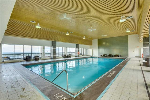 Condo Apartment at 33 Harbour Sq, Unit 3024, Toronto, Ontario. Image 10
