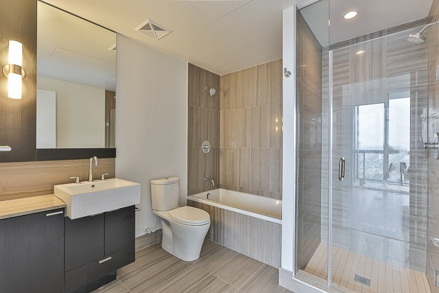 Condo With Common Elements at 88 Blue Jays Way, Unit 3801, Toronto, Ontario. Image 16