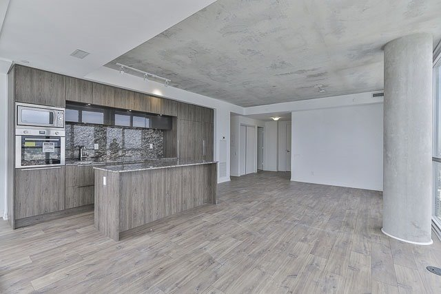 Condo With Common Elements at 88 Blue Jays Way, Unit 3902, Toronto, Ontario. Image 12