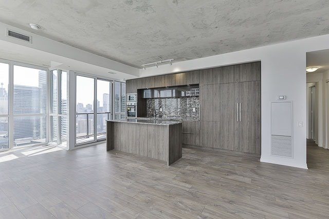 Condo With Common Elements at 88 Blue Jays Way, Unit 3902, Toronto, Ontario. Image 15