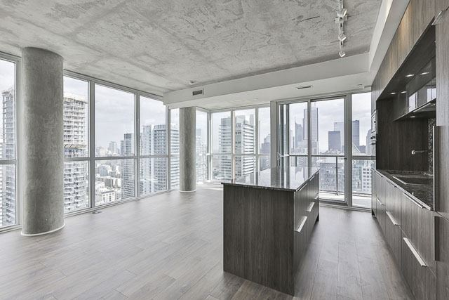 Condo With Common Elements at 88 Blue Jays Way, Unit 3902, Toronto, Ontario. Image 16