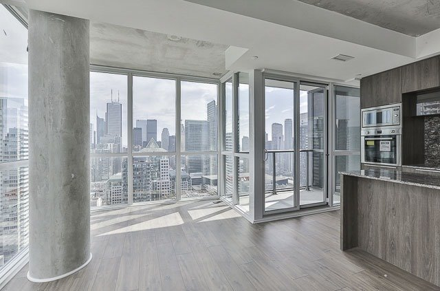 Condo With Common Elements at 88 Blue Jays Way, Unit 3902, Toronto, Ontario. Image 18