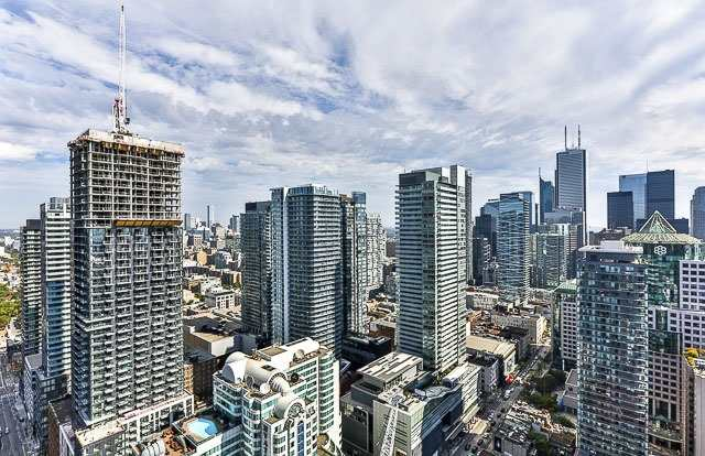 Condo With Common Elements at 88 Blue Jays Way, Unit 3902, Toronto, Ontario. Image 6