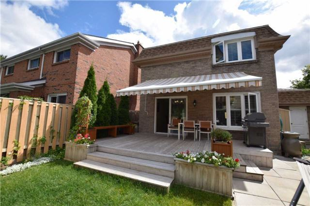 Detached at 20 Fawnhaven Crt, Toronto, Ontario. Image 9