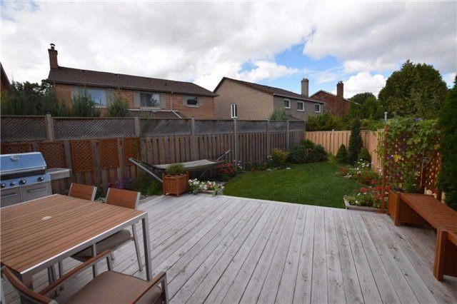 Detached at 20 Fawnhaven Crt, Toronto, Ontario. Image 10