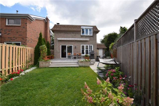Detached at 20 Fawnhaven Crt, Toronto, Ontario. Image 12