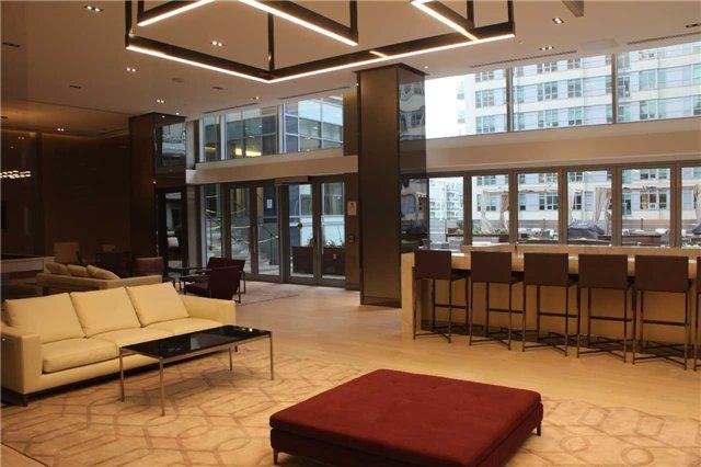 Condo Apartment at 89 Dunfield Ave, Unit 3206, Toronto, Ontario. Image 7