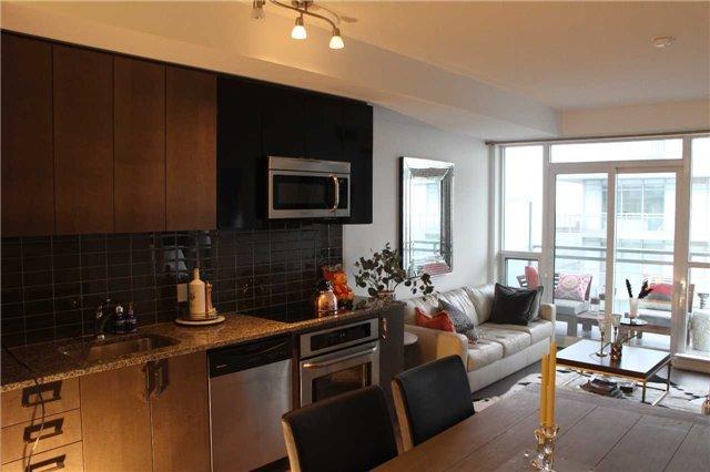 Condo Apartment at 89 Dunfield Ave, Unit 3206, Toronto, Ontario. Image 10