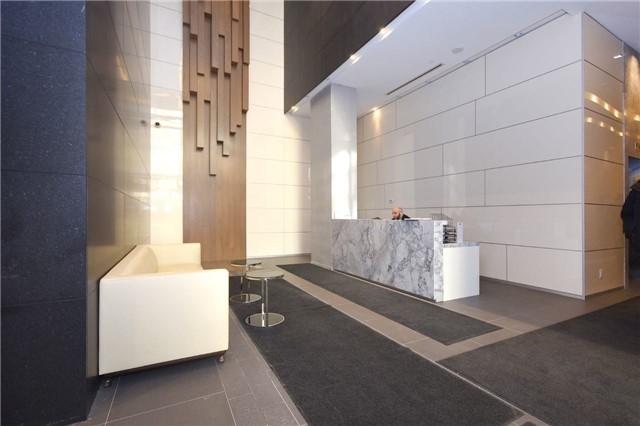 Condo Apartment at 15 Grenville St, Unit 2303, Toronto, Ontario. Image 12