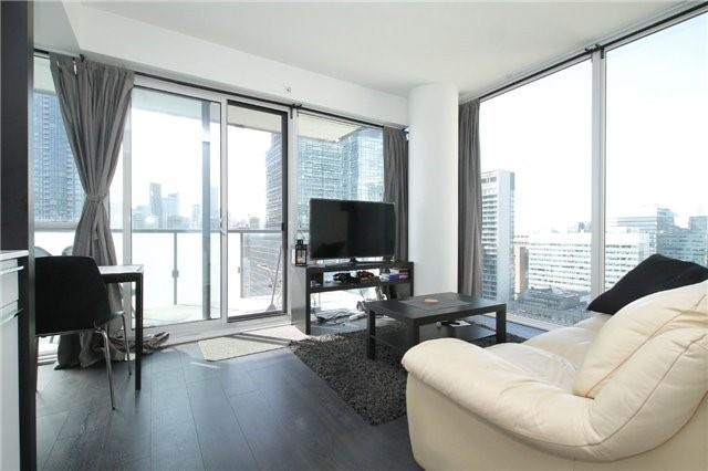 Condo Apartment at 15 Grenville St, Unit 2303, Toronto, Ontario. Image 15