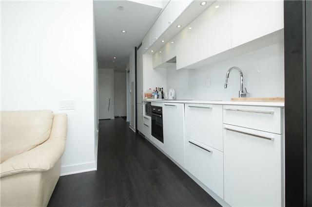 Condo Apartment at 15 Grenville St, Unit 2303, Toronto, Ontario. Image 17