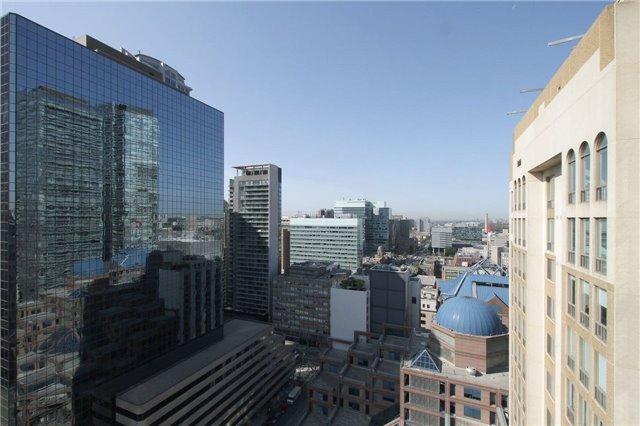 Condo Apartment at 15 Grenville St, Unit 2303, Toronto, Ontario. Image 5