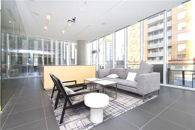 Condo Apartment at 15 Grenville St, Unit 2303, Toronto, Ontario. Image 7