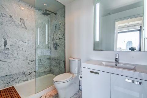 Condo Apartment at 629 King St W, Unit Ph1424, Toronto, Ontario. Image 17