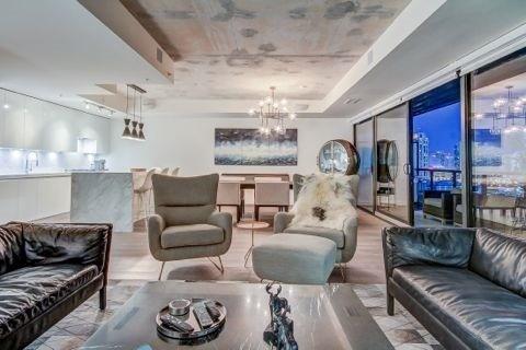 Condo Apartment at 629 King St W, Unit Ph1424, Toronto, Ontario. Image 3