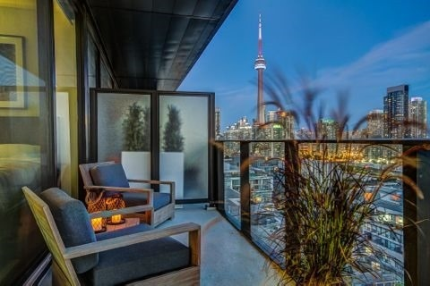 Condo Apartment at 629 King St W, Unit Ph1424, Toronto, Ontario. Image 10