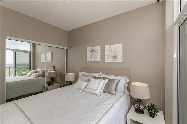 Condo Apartment at 275 Yorkland Rd, Unit Ph05, Toronto, Ontario. Image 2