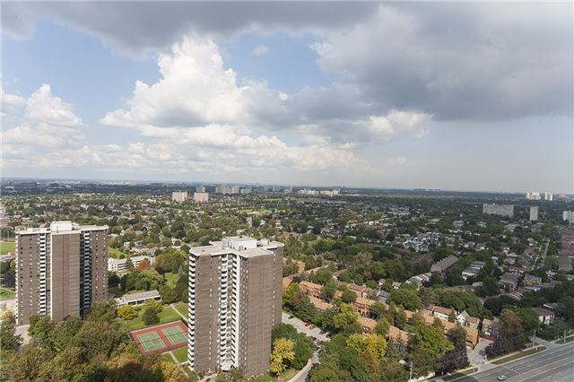 Condo Apartment at 275 Yorkland Rd, Unit Ph05, Toronto, Ontario. Image 7