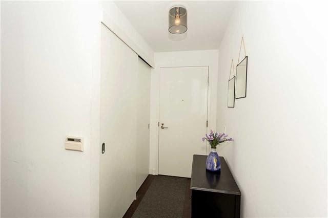 Condo Apartment at 1030 King St W, Unit 643, Toronto, Ontario. Image 16