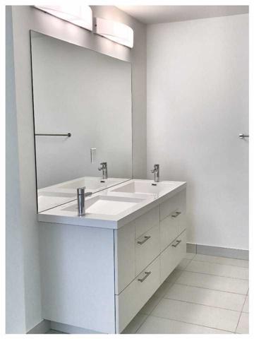 Condo Apartment at 30 Nelson St, Unit 525, Toronto, Ontario. Image 6