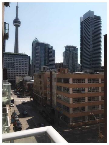 Condo Apartment at 30 Nelson St, Unit 525, Toronto, Ontario. Image 8
