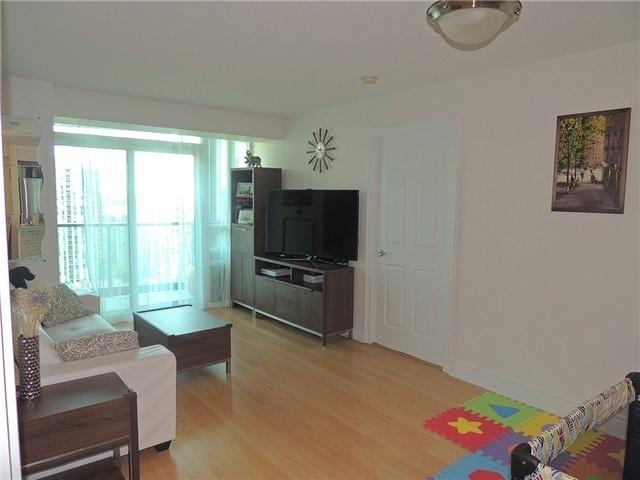 Condo Apartment at 15 Greenview Ave, Unit 2204, Toronto, Ontario. Image 17