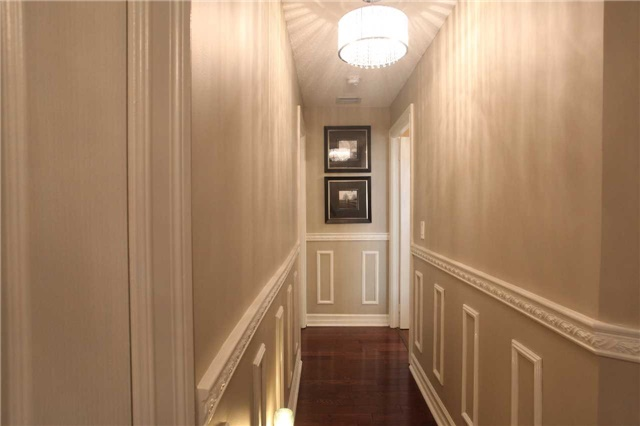 Condo Townhouse at 17 Barberry Pl, Unit Th120, Toronto, Ontario. Image 3
