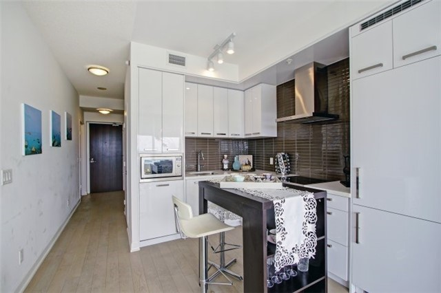 Condo Apartment at 120 Bayview Ave, Unit S504, Toronto, Ontario. Image 16