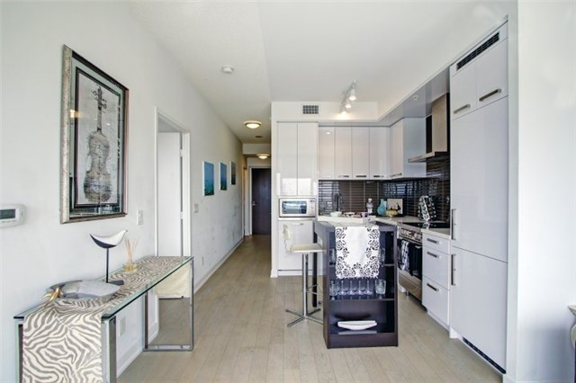Condo Apartment at 120 Bayview Ave, Unit S504, Toronto, Ontario. Image 3