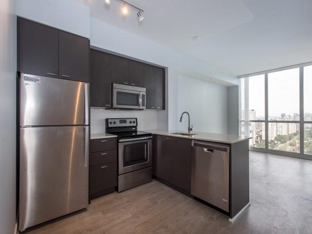 Condo Apartment at 88 Sheppard Ave E, Unit 2908, Toronto, Ontario. Image 3