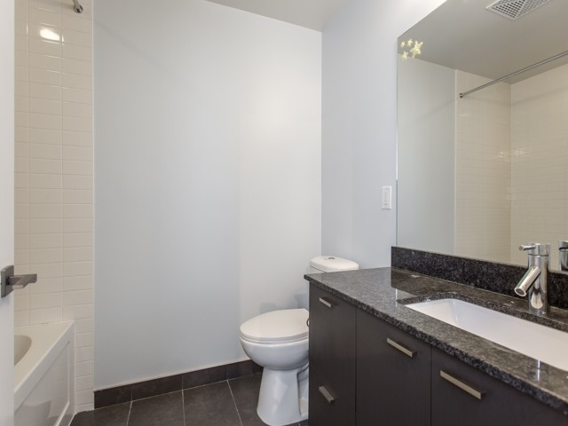 Condo Apartment at 88 Sheppard Ave E, Unit 2908, Toronto, Ontario. Image 9