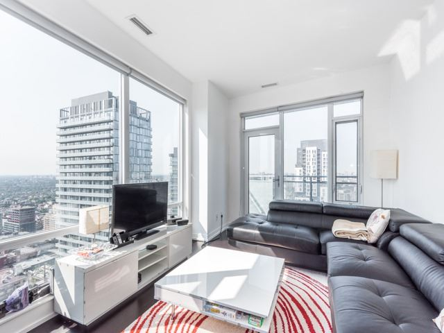 Condo Apartment at 21 Widmer St, Unit 3302, Toronto, Ontario. Image 19