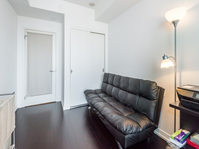 Condo Apartment at 21 Widmer St, Unit 3302, Toronto, Ontario. Image 3