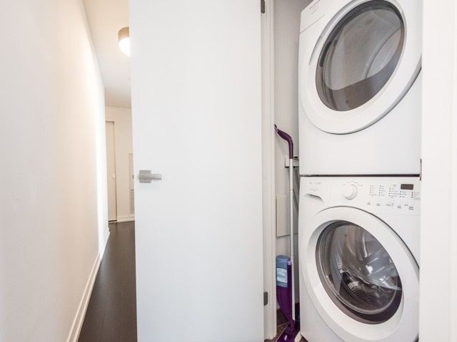 Condo Apartment at 21 Widmer St, Unit 3302, Toronto, Ontario. Image 8